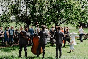 akoestisch trio bruiloft tuin